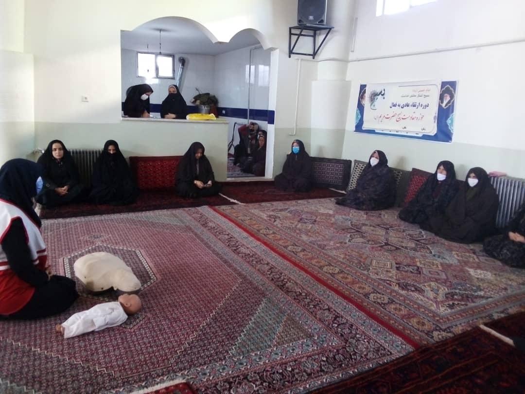 کسب مقام نخست توسعه آموزش های همگانی خانه های هلال زنجان