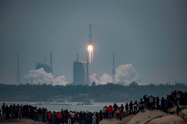 چین با پرتاب راکت Long March 4C سه ماهواره جاسوسی جدید در مدار مستقر کرد