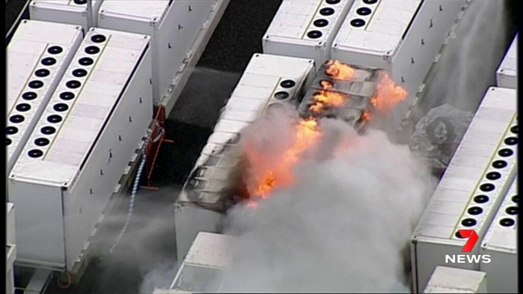 آتش گرفتن یکی از بزرگترین باتریهای جهان هنگام آزمایش