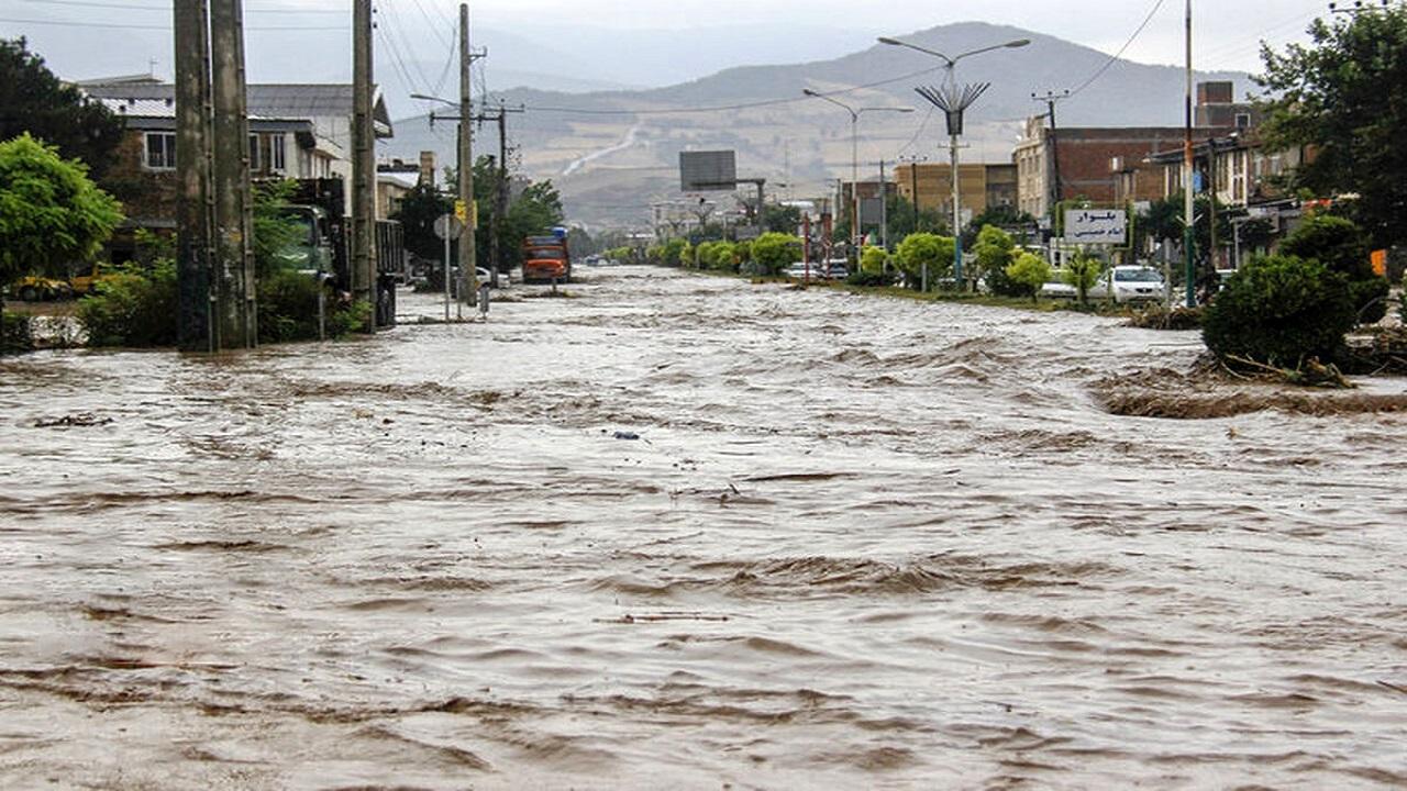 سیل تابستانی بیش از ۱۵۰ میلیارد ریال به جادههای زنجان خسارت زد