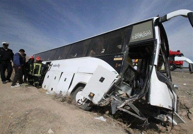 تصادف زنجیره ای در آزادراه زنجان – قزوین 19 مصدوم برجا گذاشت