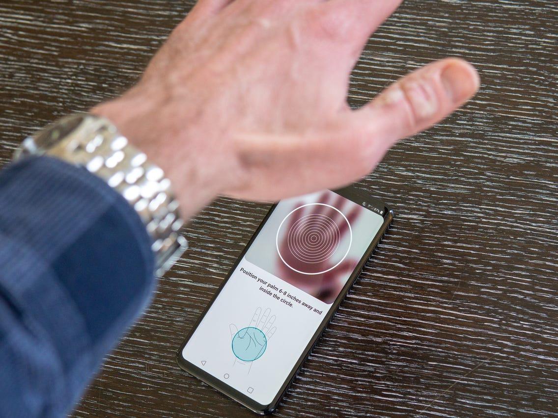 توسعه فناوری تایید هویت از طریق اسکن رگهای دست توسط اوپو