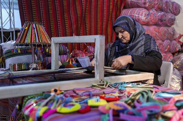 تسهیلات مشاغل خانگی در اختیار هنرمندان زنجان قرار میگیرد