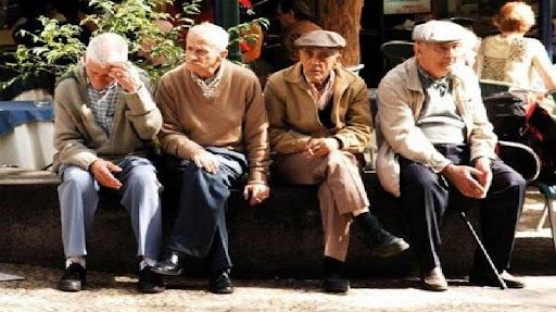 نزدیک به ۳ هزار سالمند تحت پوشش بهزیستی هستند